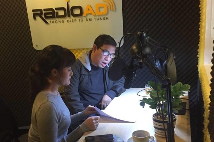 Hậu trường thu âm đầy thú vị giữa nghệ sĩ Vân Dung và Quang Thắng